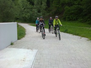 Pot za Bistrico, preko novega mosta...